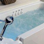 bathtube jacuzzi